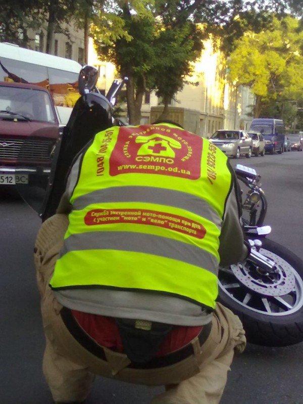 Очередная авария по ул. Новосельского с участием байкера (фото), фото-5